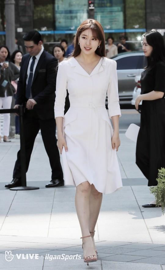 28b016003a4 BEST: Suzy, Rosé in white; WORST: HyunA's 'excessive' fashion