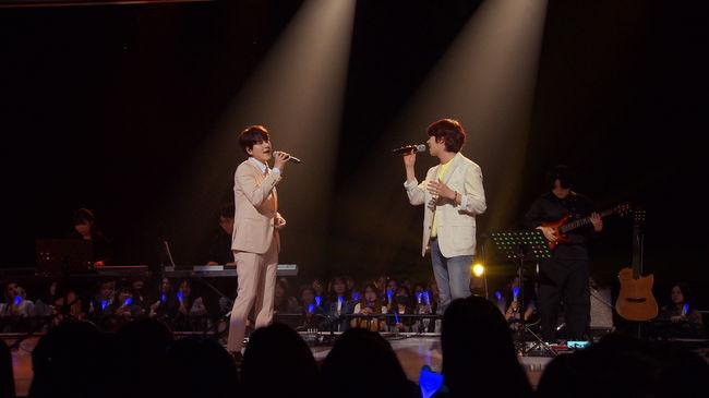 Heechul and Chen perform duets with Kyuhyun on