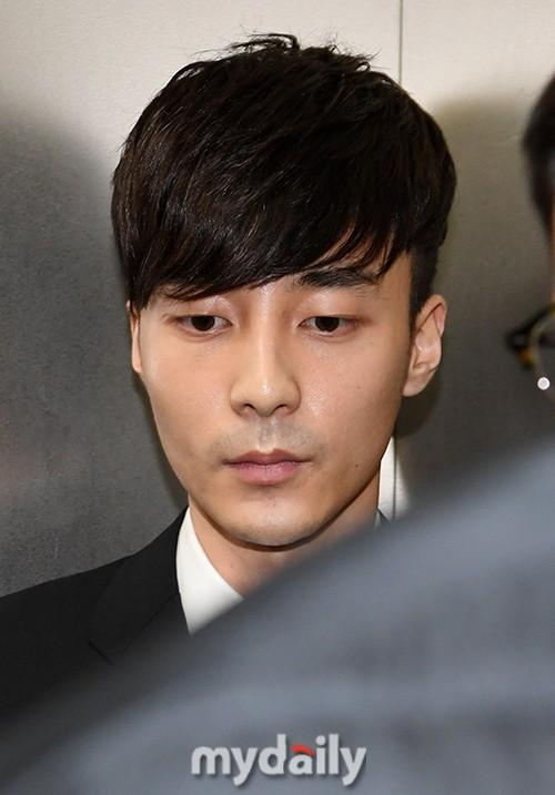 Roy Kim Escapes Accusation Of Spreading Illicit Materials